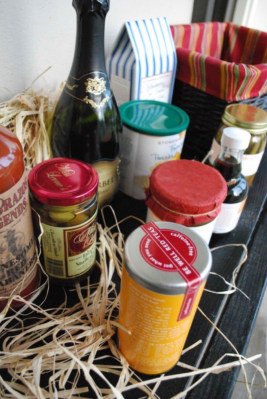 DIY Brunch Gift Basket| Betsylife.com