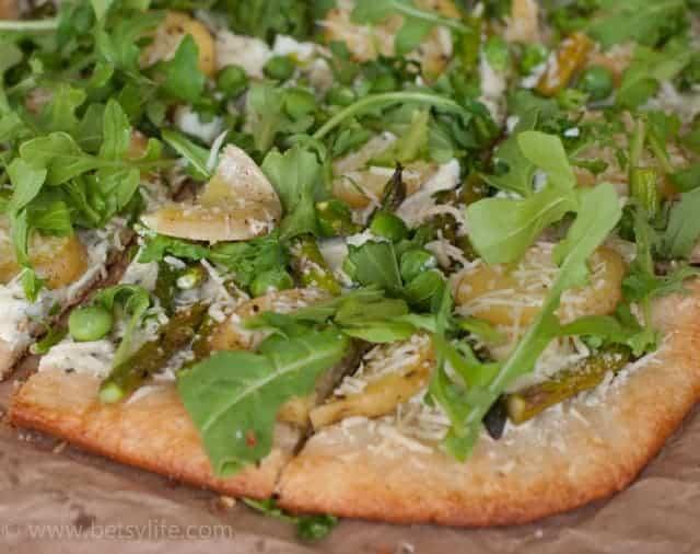 arugula-pizza-potato-asparagus-topping