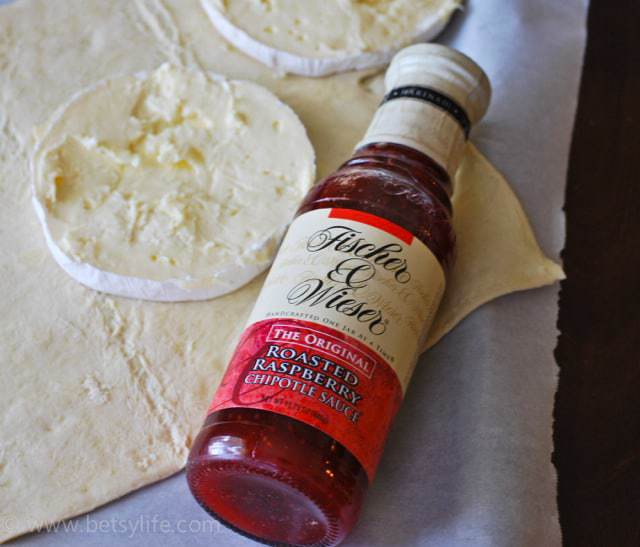 raspberry-chipotle-baked-brie-recipe-ingredients