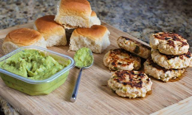 hatch-chile-turkey-sliders-recipe-guacamole