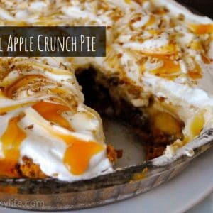 Seasonal Potluck: Caramel Apple Crunch Pie