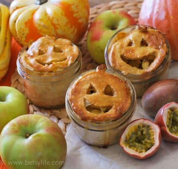 apple-passion-fruit-pie-in-a-jar-recipe