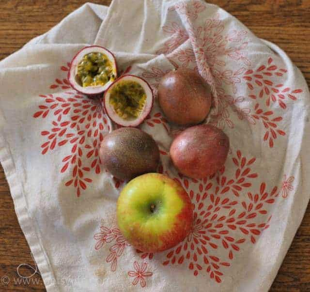 apple-passion-fruit-pie-ingredients