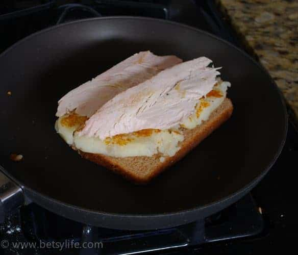 Turkey-mashed-potato-leftover-sandwich-prep-turkey