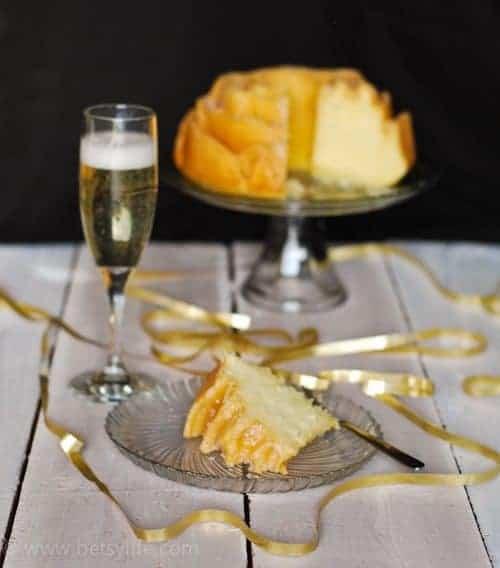 Champagne-Bundt-Cake-slice