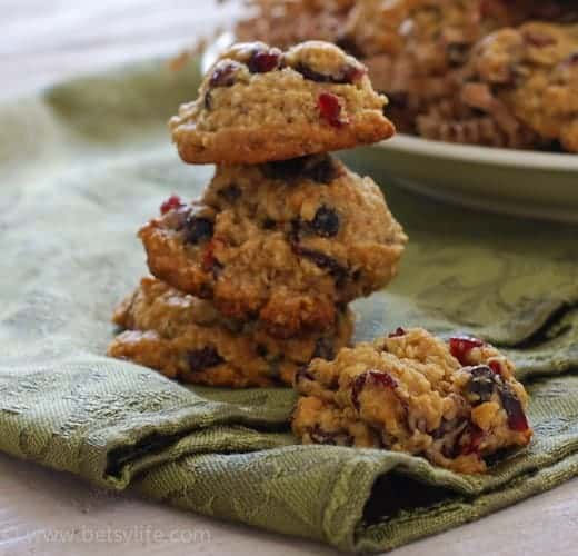 soft-batch-oatmeal-cranberry-cookies-recipe-serving