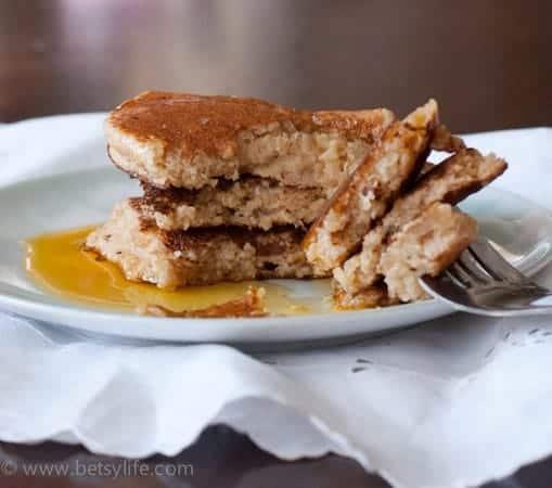 Healthy Quinoa Pancakes | Betsylife.com