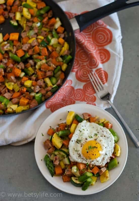 Summer Vegetable Skillet | betsylife.com