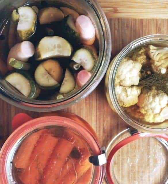 Easy refrigerator pickles recipe |betsylife.com