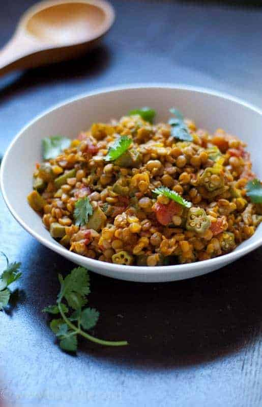 Lentil Okra Curry   Betsylife.com #meatleassmonday
