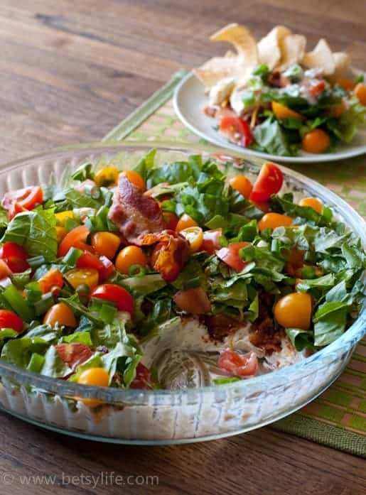 salad with bacon and tomatoes