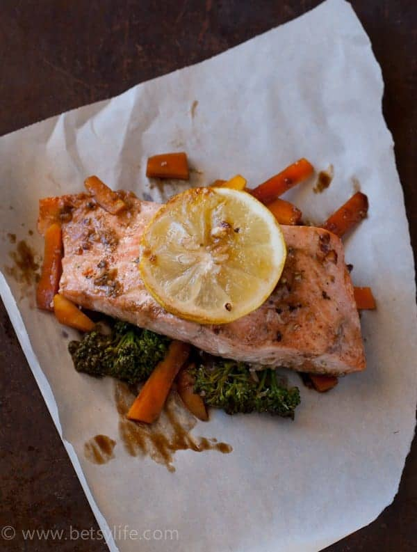 Soy Ginger Salmon. Healthy and light dinner for one or the whole family | Betsylife.com