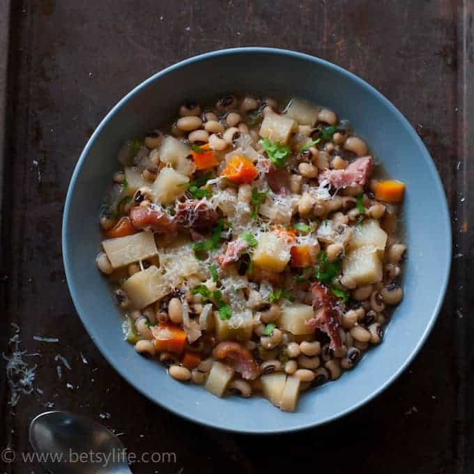Crock Pot Ham, Black Eyed Pea and Potato Soup