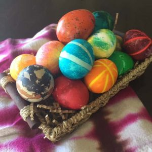5 Cool Techniques for Dyeing Easter Eggs {Video!}