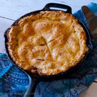 Easy Skillet Apple-Cheddar Pie