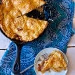 Skillet pie is totally a thing, and this apple cheddar skillet pie is the best ever.