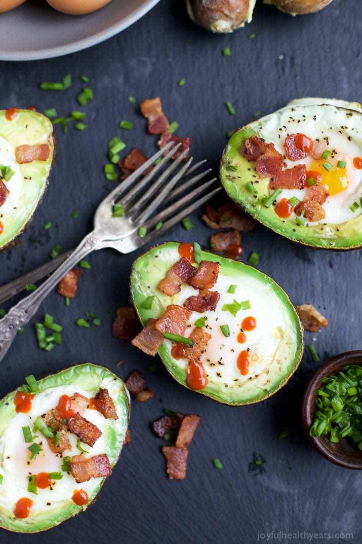 Bacon Baked Egg in Avocado