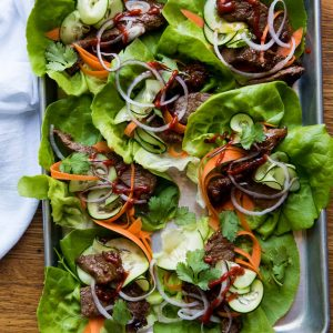 Healthy Lettuce Wraps with Spicy Steak